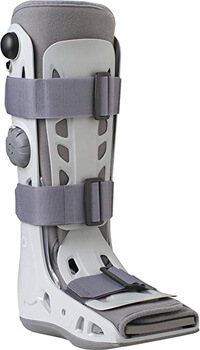 1. Aircast AirSelect Walker Brace/Walking Boot