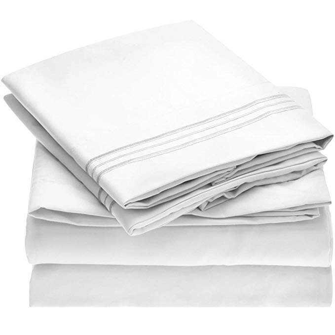 1. Mellanni Bed Sheet Set - Brushed Microfiber 1800 Bedding
