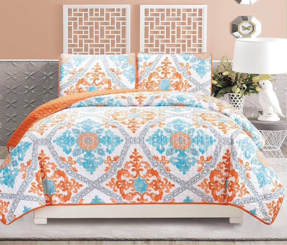 8. 2-Piece Fine Printed Quilt Set