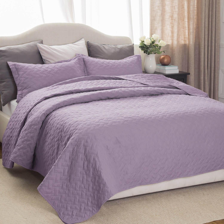 6. Bedsure Lavender Quilt Set-Twin Size